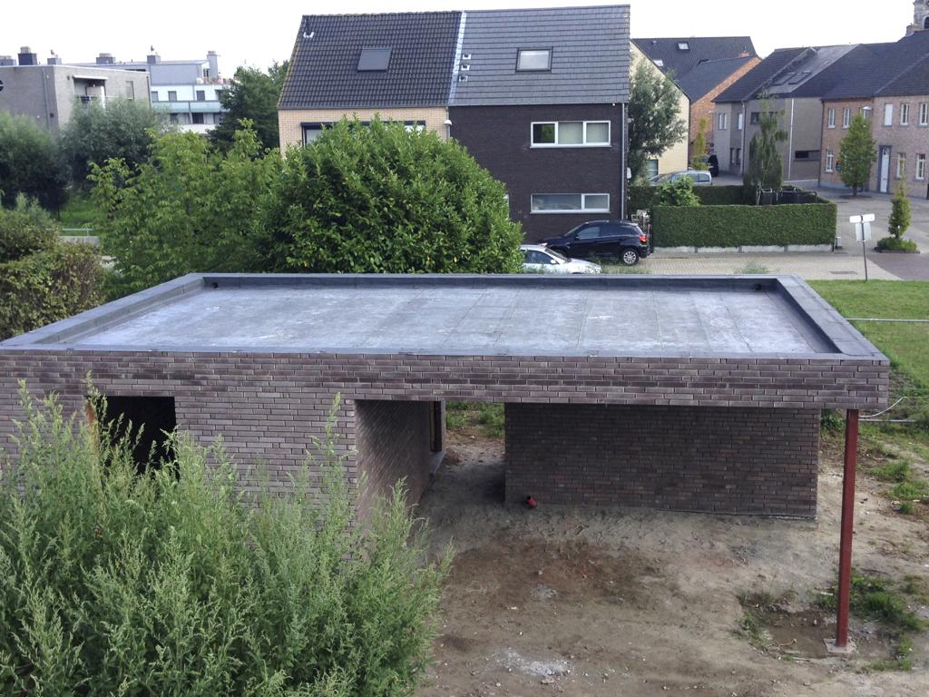 Plat dak met roofing